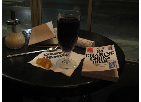 cafe panis paris mulled wine notre dame
