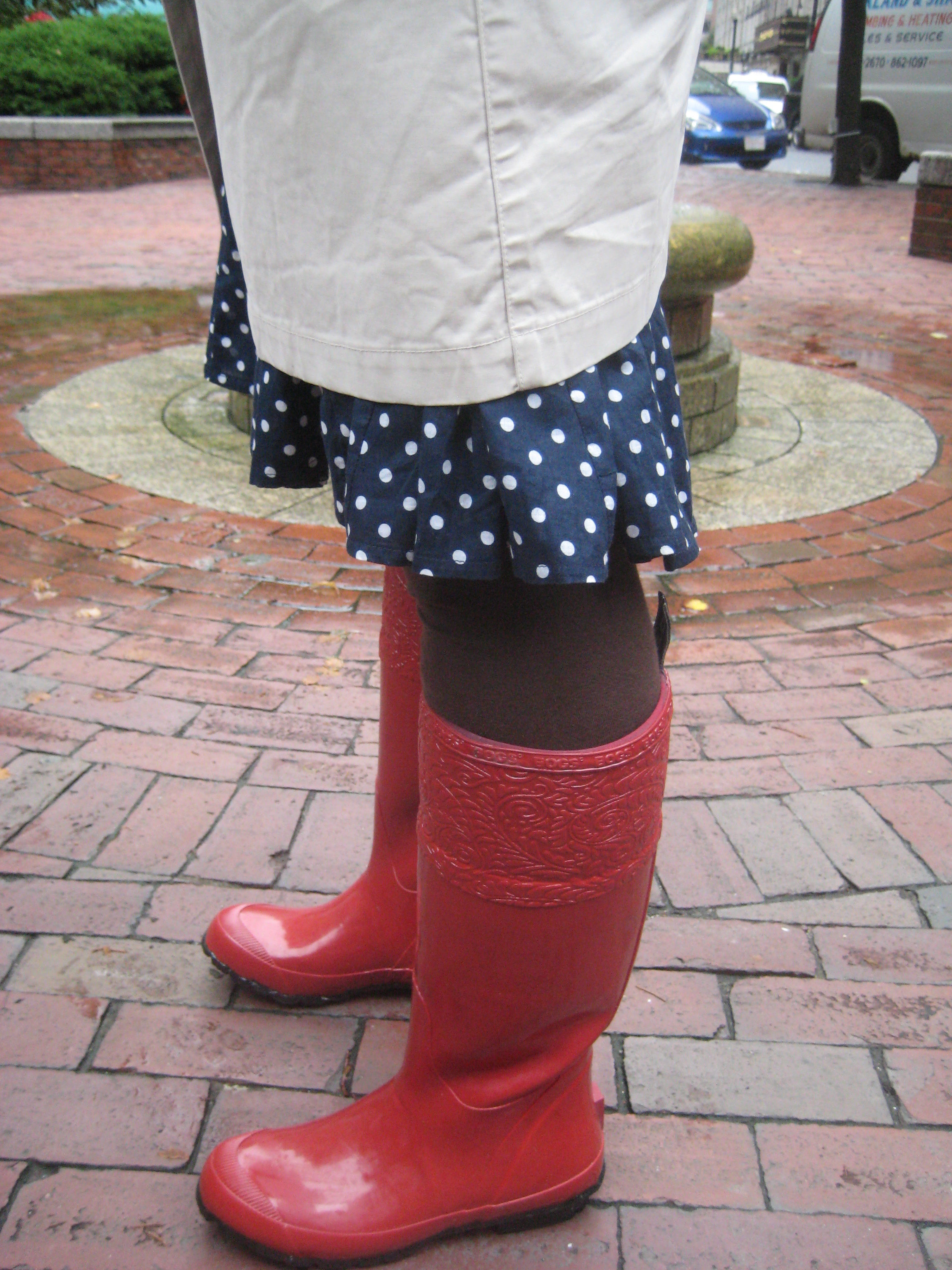 rockin' the red rain boots | cakes, tea and dreams