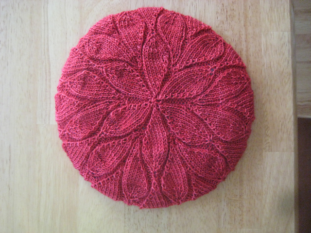 Leaf Beret Knitting Pattern : the Christmas knitting cakes, tea and dreams