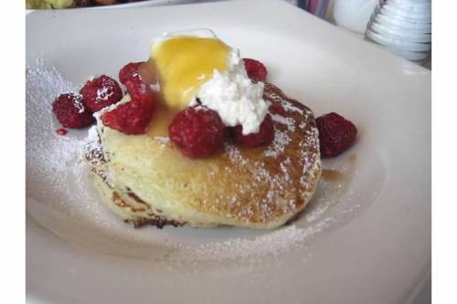 cafe luna brunch cambridge pancakes
