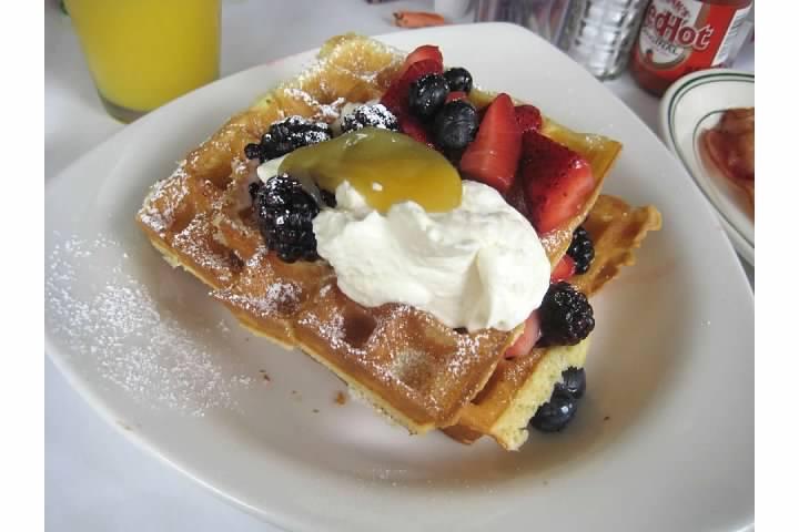cafe luna cambridge waffles brunch