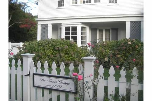 flower cottage gate roses newport rhode island