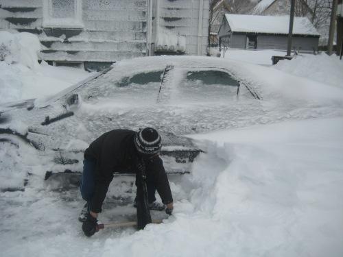 snow shovel car nemo storm feb 2013