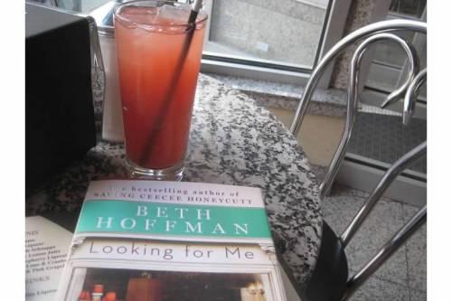 book juice cafe