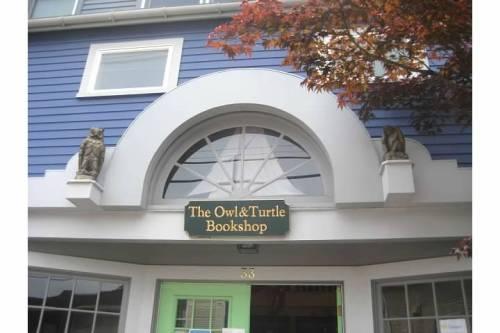 owl turtle bookshop sign camden maine