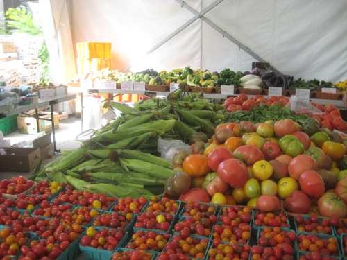 tomatoes corn farmer's market