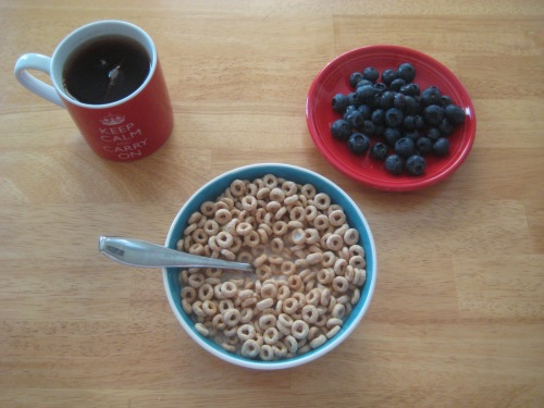 breakfast tea cereal blueberries