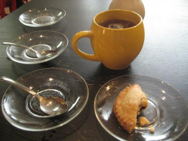 tea plates cafe table