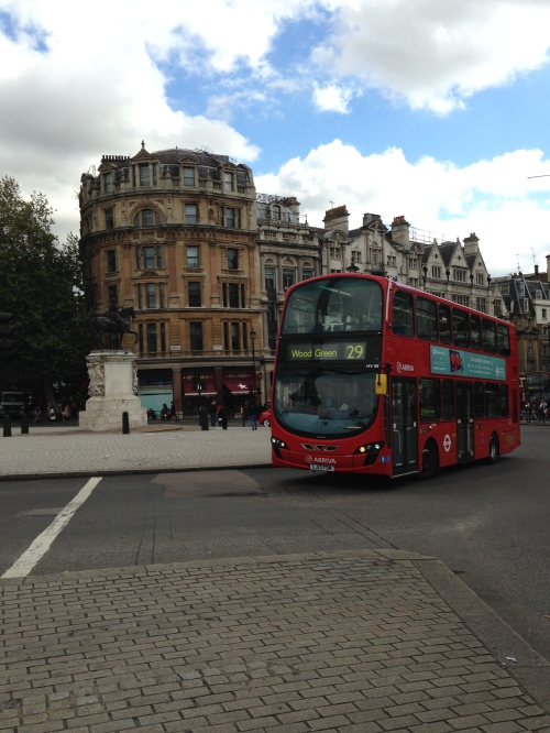 london view red bus