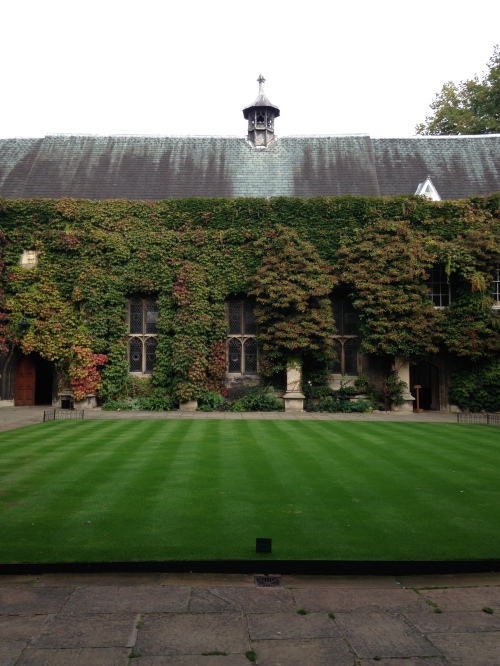 lincoln college oxford quad vines