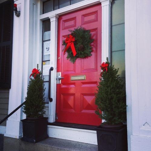 red door wreath cambridge christmas