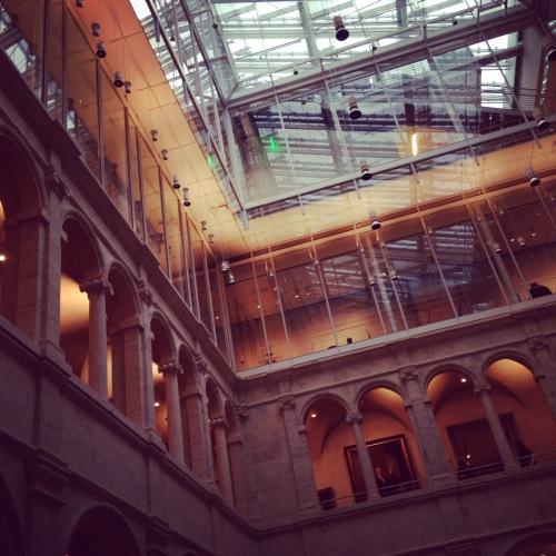 harvard art museum courtyard