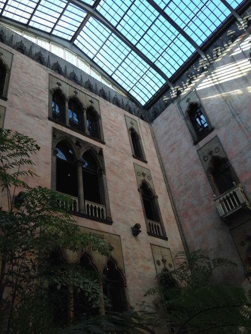 isabella stewart gardner museum courtyard boston