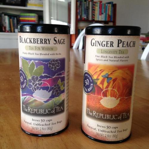 blackberry peach tea tins