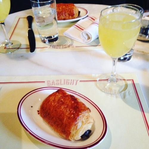 pain au chocolat croissant mimosa brunch
