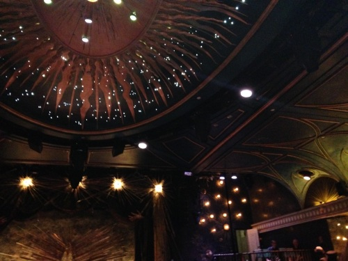 diamond horseshoe lights
