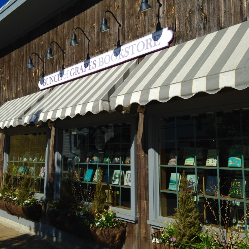 bunch of grapes bookstore marthas vineyard ma