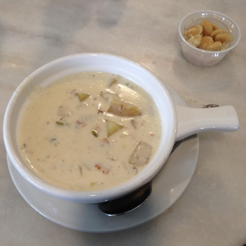 clam chowder martha's vineyard waterside market