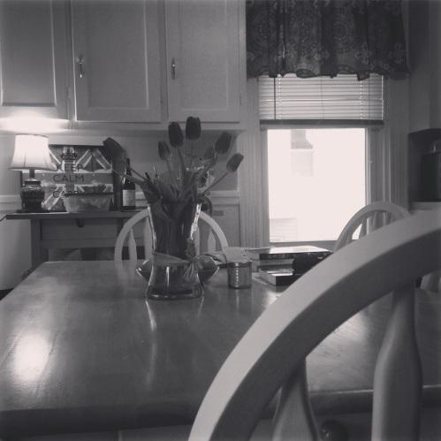 tulips table kitchen