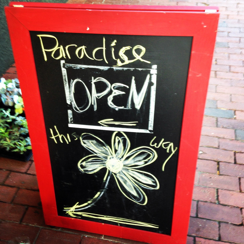 paradise florist sign
