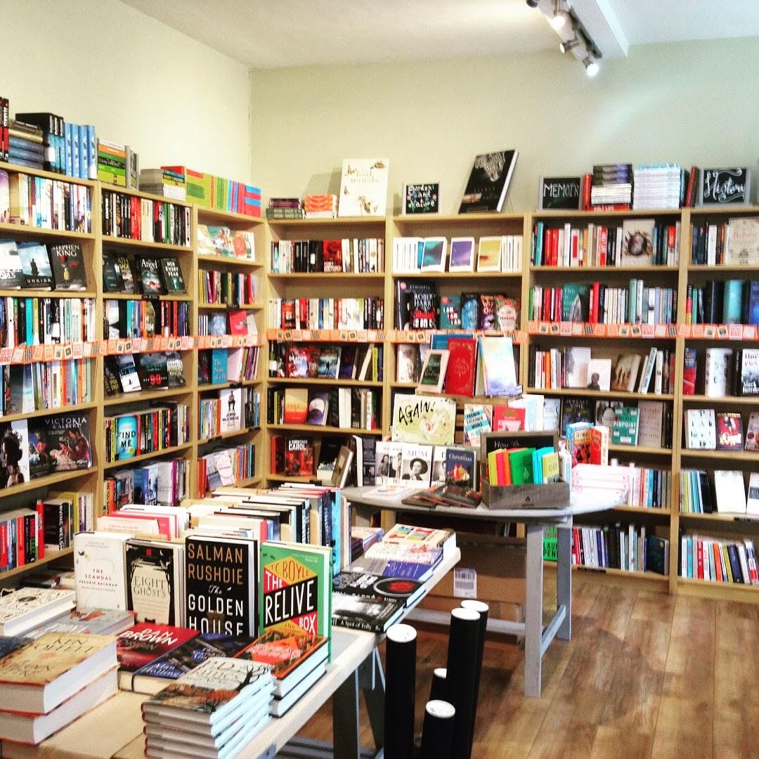 mostly books interior abingdon uk bookshop