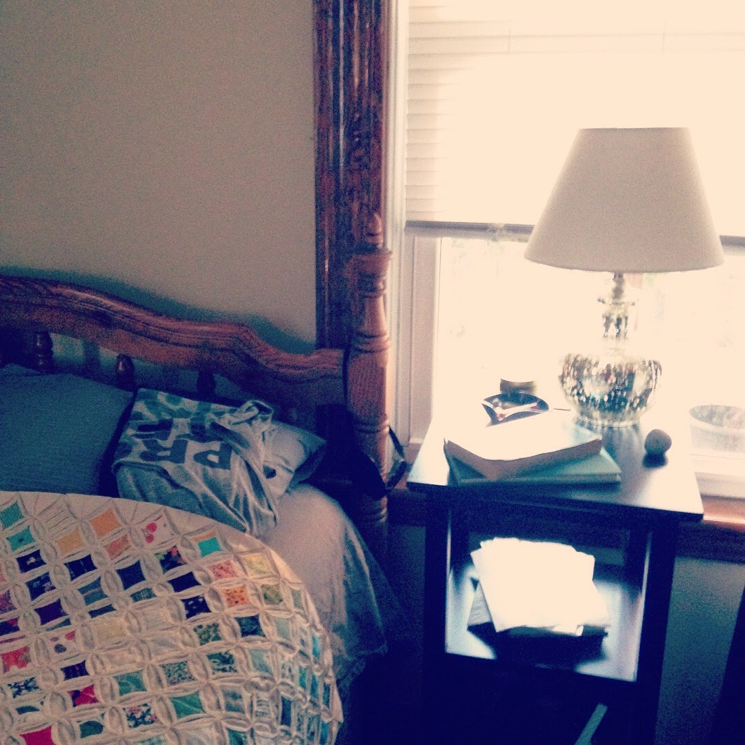 bedside table lamp quilt