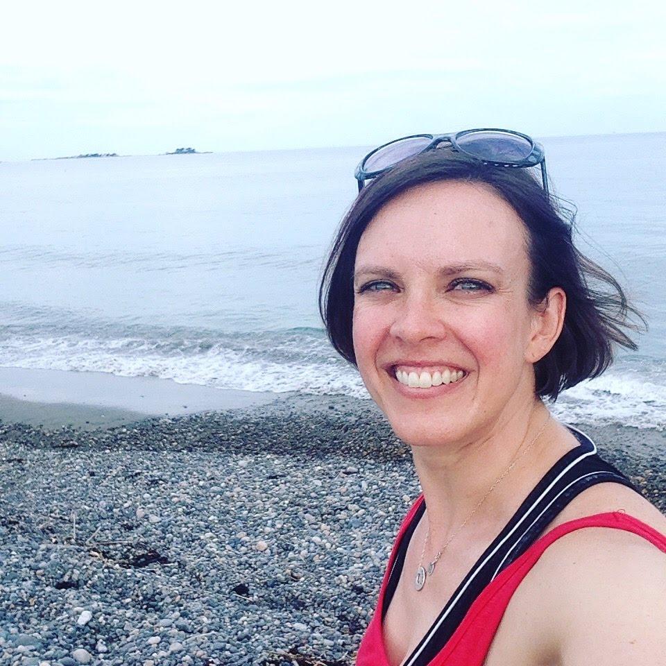 katie devereux beach selfie marblehead