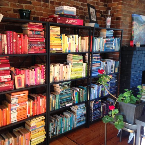 rainbow-bookshelves