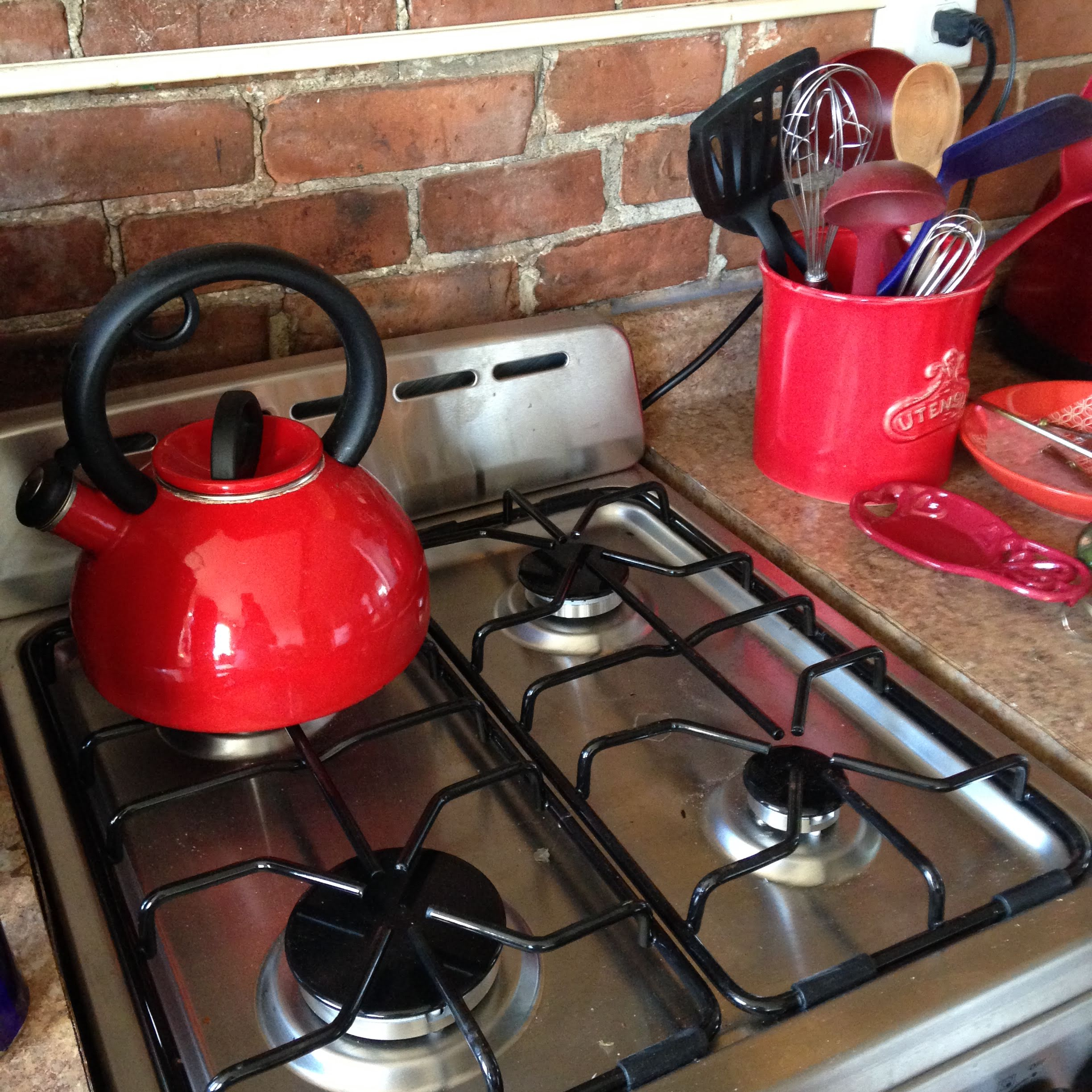 red-kettle-stove